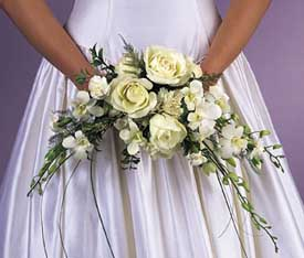 White crescent silk bridal bouquet for Crescent bouquet